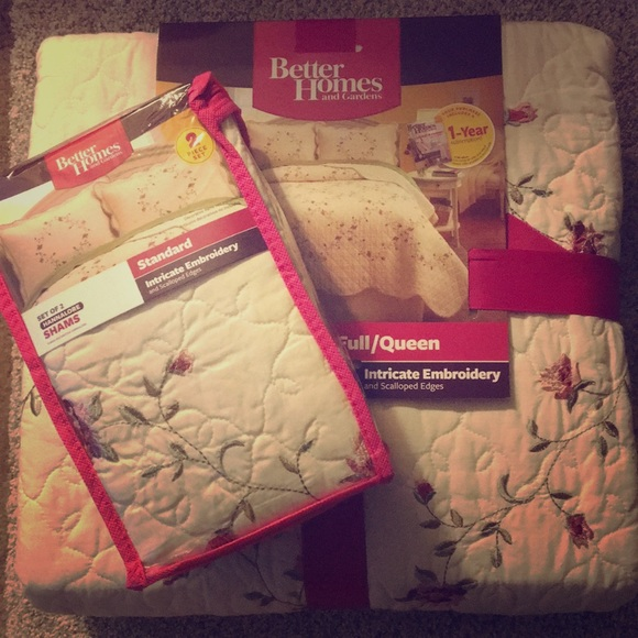 Better Homes And Gardens Bedding Brand New Set Flower Quilt And